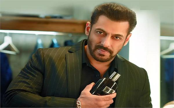 chandigarh police issue notices to salman khan  8 others for