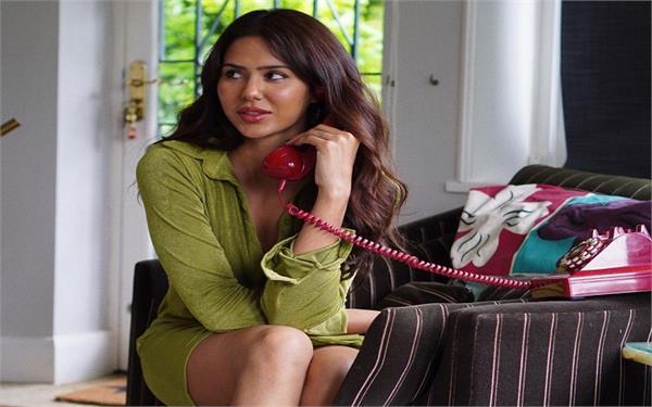 sonam bajwa shared puaada film look