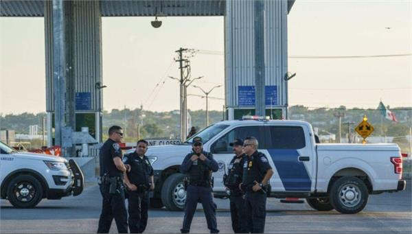 usa  texas reopens border after evacuating immigrants