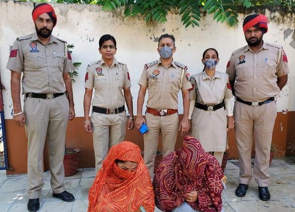cash  atm  aadhaar and pan card stolen from girl  s purse