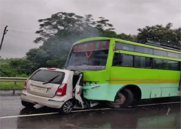 jharkhand road accident  five people were burnt alive in a fire