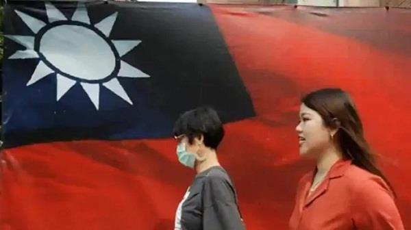 chinese man enters taiwan territorial waters