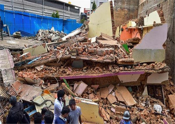 three storey residential building collapsed in bengaluru