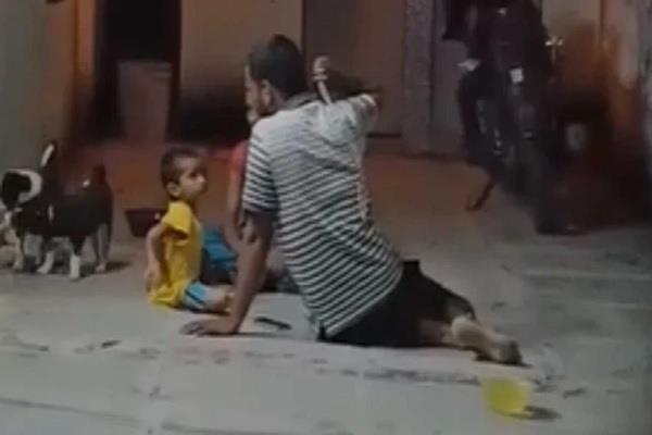 case registered against father for beating three year old daughter