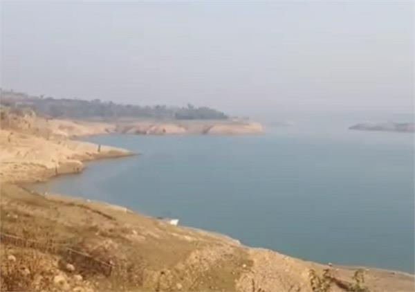parents  death  disturbed  youth  river  suicide