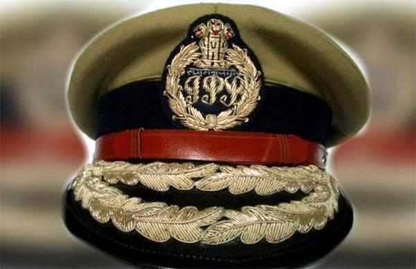 major reshuffle in delhi police  transfer of 40 senior ips officers