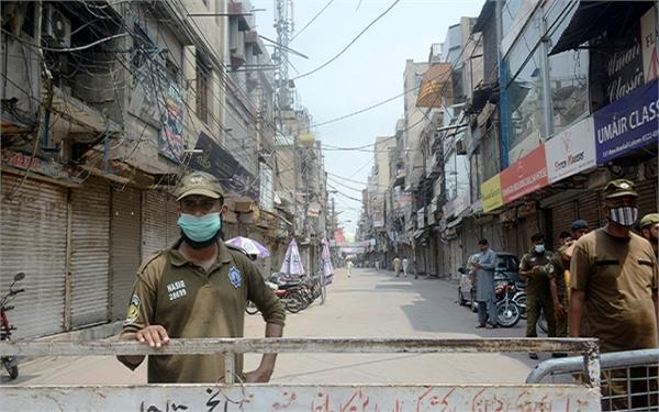 8 terrorists arrested in pakistan
